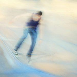 a scateboarder blur